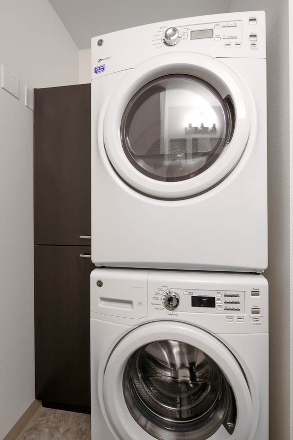 Stacking washer & drier
